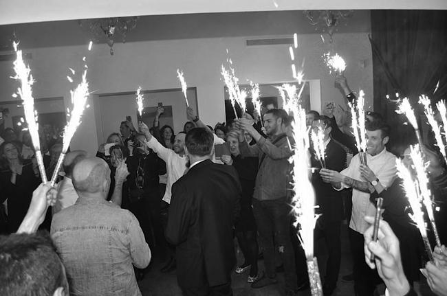 Les équipes font la fête aux chefs et à M. Château