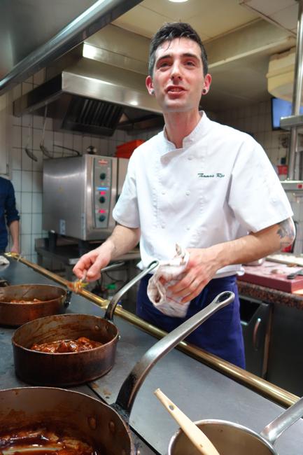 Thomas réa, est venu aider ses anciens collègues en cuisine