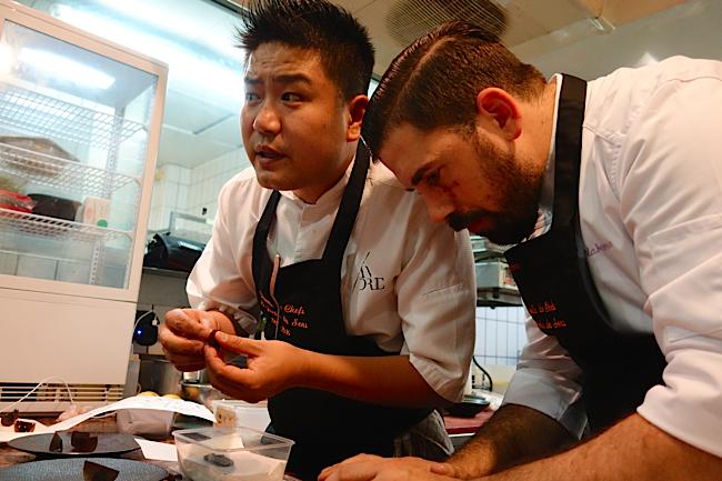 Johnny le sous chef de André Chiang et un cuisinier de Pérou