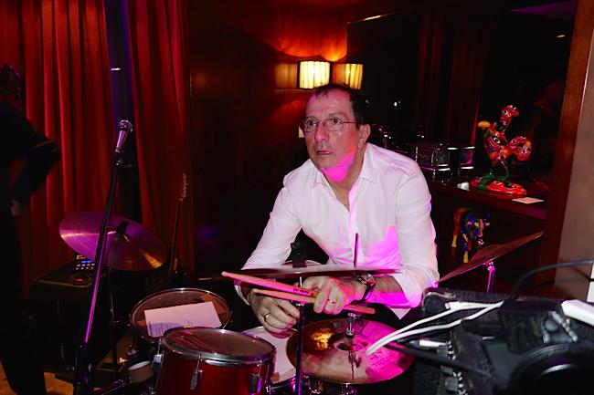 Alain Caron à la batterie
