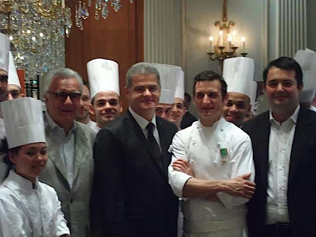 Aux côtés du chef Alain Ducasse
