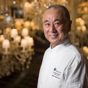 Interview : Nobu Matsuhisa vient d'ouvrir au Royal Monceau à Paris – » Si mon père était toujours de ce monde, j'aimerais cuisiner pour lui. «