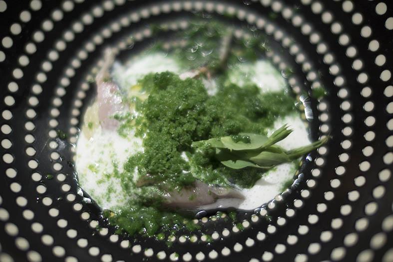 Thierry Alix: maquereau en salade, neige de yaourt, fenouil sauvage, terrine de pomme patte-de-loup.