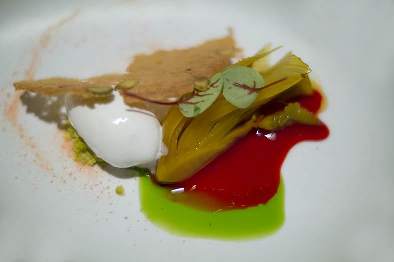Wilfrid Hocquet: fenouil confit aux épices, orange sanguine et yaourt glacé.