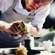 Le chef pâtissier Yann Couvreur ouvre à paris demain : » Je ne voulais pas que ma pâtisserie soit une pâtisserie de plus «
