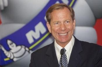 Michael Ellis … ne classe pas mais octroie des étoiles … Michelin reste le guide le plus influent au monde