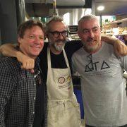 Le chef 3 étoiles, Massimo Bottura a ouvert hier son restaurant pour les pauvres à Rio, il perdurera après les JO