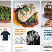 Des chefs s'engagent pour Hillary Clinton avec un recueil de recettes dans » Chefs For Hillary «