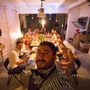 Vous ne connaissez pas encore le » Social Eating  » ? ( diffuser en direct les images de ses repas )… mais ça devrait bientôt arriver en France