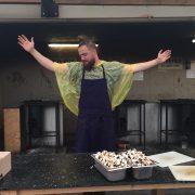Florent Ladeyn répond à ceux qui critiquent son intervention culinaire dans le camp de migrant de La Linière
