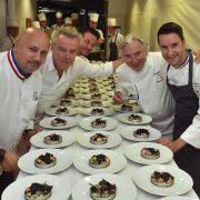 Philippe Mille a réuni 5 chefs et 11 étoiles pour un dîner où le chef Gérard Boyer a remis le tablier !