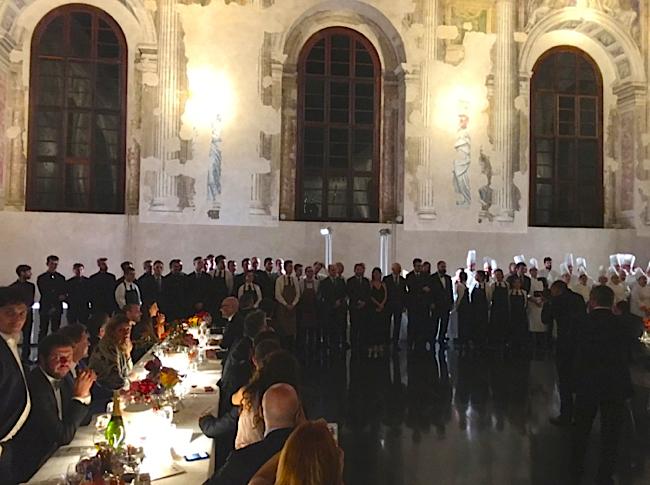 La fin de la soirée se clôturera par la présentation des équipes qui ont oeuvrés au succès de la soirée mais aussi de cette assemblée générale annuelle à Venise.