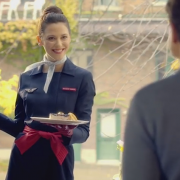 """"""" La gastronomie Air France fait escale sur terre """" grâce à Joël Robuchon – Les Montréalais pourront recevoir chez eux le repas signé par le chef pour La Première AF"""