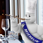 Michelin continue son expansion par acquisition de plateforme de réservation digitale de restaurant