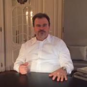 Découvrez l'actualité 2017 de Pierre Hermé en vidéo
