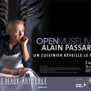 Les homards du chef Alain Passard suspendus au plafond du Palais des Beaux-Arts