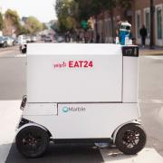 San Francisco – Les premiers robots livrent des repas en ville