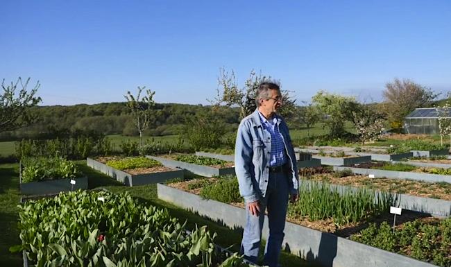 Michel bras dans son jardin le m tier de cuisinier commence l food sens for Cuisinier un bras