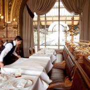 Comment les grandes brasseries parisiennes cherchent à se réinventer