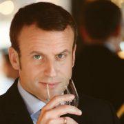 Emmanuel Macron pour Terre de Vins : » Le vin est un formidable atout pour le rayonnement de la France «