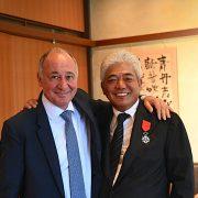 Marc Haeberlin remet le titre de Chevalier Légion D'Honneur au chef Japonais Hiroyuki Hiramatsu