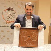 Jean-François Piège laisse ses empreintes dans le » Wall of Fame » du chocolat