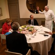 """Alain Ducasse """" François Hollande était un délicieux et gourmand citoyen """" … le chef parle de ses relations avec les Présidents"""