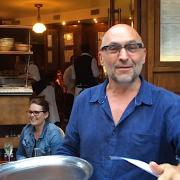 » Le mec signe un CDI … et le lendemain ne se pointe pas au travail » … c'est un peu le quotidien de beaucoup de restaurateurs !