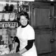 80 ans que se sont des femmes qui font la cuisine chez Allard à Paris