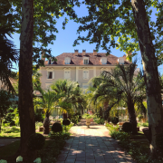 Michel et Christine Guérard décrochent le titre de » Palace » pour leur Près d'Eugènie