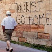 L'Espagne bat tous les records de tourisme, à Barcelone et Palma de Mallorca  les habitants manifestent pour les obliger à partir