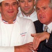 Gault & Millau – » Là où le Michelin se concentrait sur les fameuses étoiles, les deux compères épicuriens apportent un vrai style … «