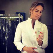 La chef Amandine Chaignot collabore avec Bragard pour une nouvelle veste de cuisine dédiée aux femmes chefs