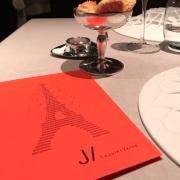 Qui décrochera le nouveau contrat d'exploitation du restaurant Le Jules Verne à la Tour Eiffel?