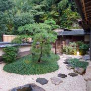 Japon – Le chef Hiroyuki Hiramatsu ouvre son 4ème boutique hôtel, des lieux qui mêlent tradition japonaise et culture française.