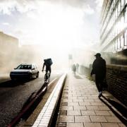 Londres – la livraison de plats à domicile par coursiers crée des nuisances dans les quartiers, la municipalité veut réglementer