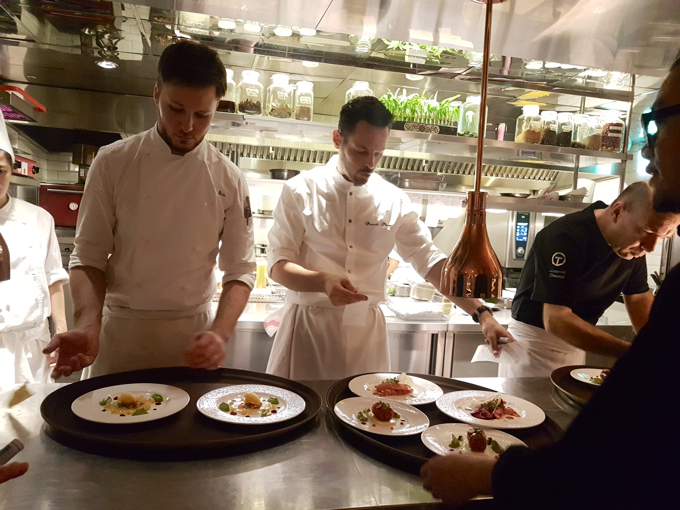 Sc nes de cuisine au s h tel taipei avec le chef - Chef de cuisine en anglais ...
