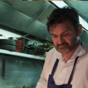 Stéphane Jégo propose son menu à emporter chez vous, vous réservez sur son site internet, vous venez chercher vos plats