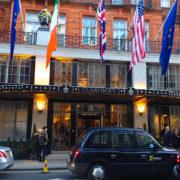 Claridge's London – spécimen opulent de l'establishment britannique – découvrez le livre de cuisine du chef Martyn Nail