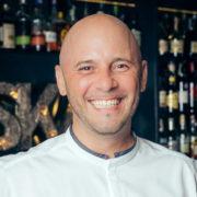 Julien Lavigne, chef depuis 12 à Bangkok, il a pu constater l'évolution de niveau de l'offre culinaire sur place