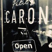 Petit Caron a ouvert ses portes à Amsterdam – les aubergistes manient facilement le tire bouchon