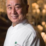 Cuisiner avec le maître Nobu Matsuhisa, et déguster un menu Omakase réalisé par le chef, C'est la semaine prochaine au Royal Monceau Paris