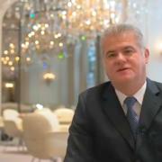 5 questions à Denis Courtiade – Directeur du restaurant «Alain Ducasse au Plaza Athénée»