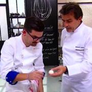 Crise de rire à Top Chef – Camille » mon oeuf est parfait, il a pas un coup dessus, il est tout lisse comme la peau de mes roupettes «, mais le chef Alléno l'a dévoré !