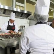 Thierry Marx depuis Fleury-Mérogis : » Cuisiner permet de tisser du lien social tout en apaisant les tensions. «
