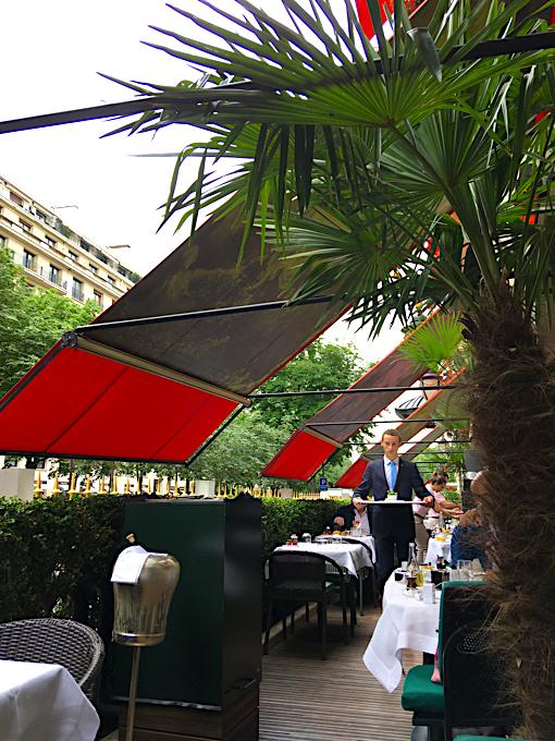 plaza athenee terrasse