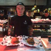 Black Star Burger – À la découverte du burger le plus puissant et juteux de Moscou !