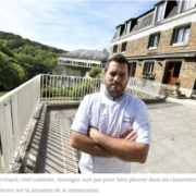 Il ne trouve pas de cuisinier pour travailler à ses côtés, alors il ferme son restaurant