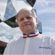 Joël Robuchon – un hommage au chef sera organisé la semaine prochaine dans la Vienne