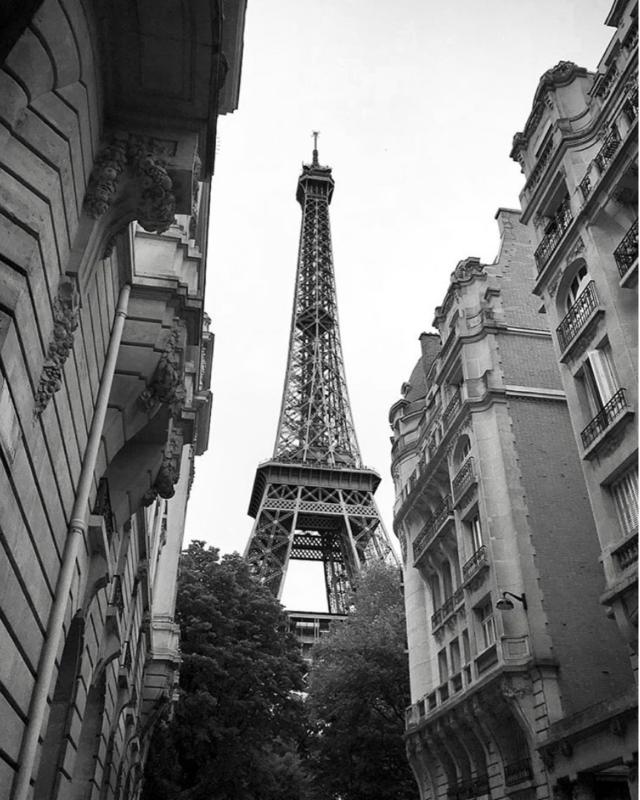 Tour Eiffel et le Jules Vernes